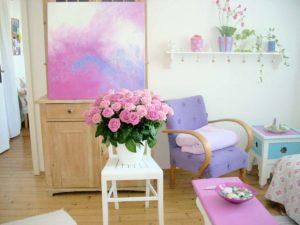 Das Acrylbild Pink and Blue passt jetzt perfekt zur restlichen Einrichtung