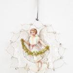 Vintage Look, Spitzendeckerl mit nostalgischem Motiv, mit Silberdraht und Perlen verziert